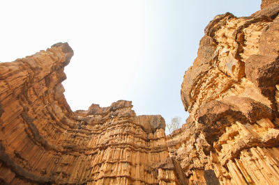 Visuals Cliffs from below 400